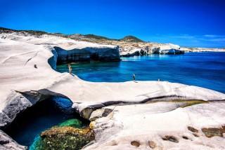 sarakiniko-beach-milos