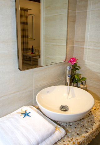 milos villa sosanna apartments bathroom