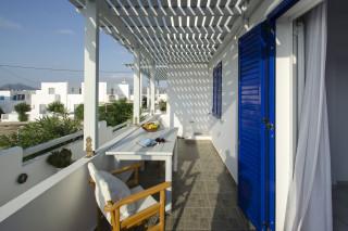 milos villa sosanna balcony (2)