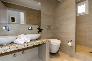 milos villa sosanna bathrooms