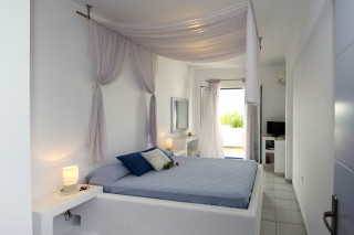 milos villa sosanna double bedroom